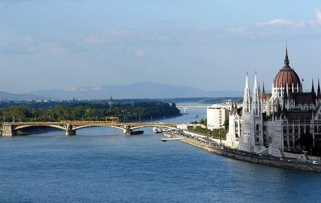 Gruppresor till Budapest i Ungern - en vy över staden