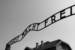 Resor till Auschwitz - ingången